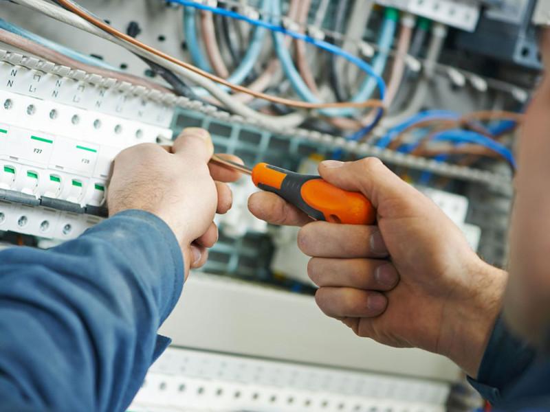 manutenzione-installazione-impianti-elettrici